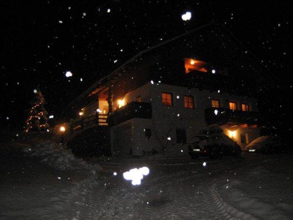 Foto esterno in inverno Lüch da Pespach
