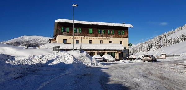 Foto invernale di presentazione Albergo Passo Brocon