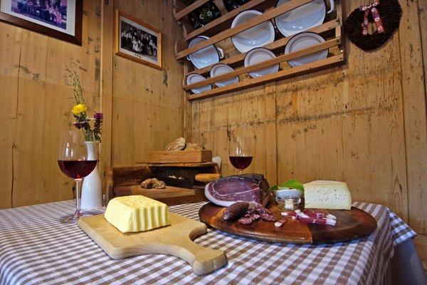 The restaurant Longiarù / Campill (San Martino in Badia / St. Martin in Thurn) Lüch de Vanc'