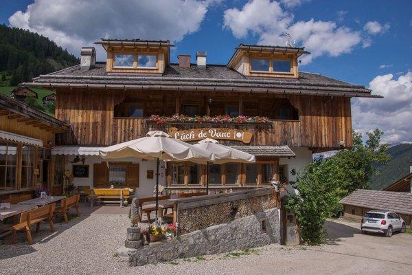 Photo exteriors in summer Lüch de Vanc'