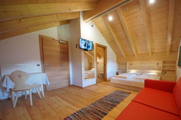 La zona giorno Tlisöra - Speckstube - Camere + Appartamenti in agriturismo 3 fiori