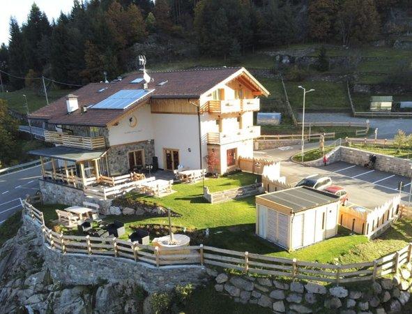Foto estiva di presentazione Chalet Resort La Baita delle Fate