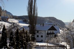 Gasthof (Small hotel) Zu Tschötsch