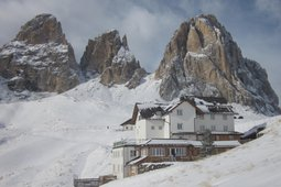 Mountain Hut-Hotel Carlo Valentini