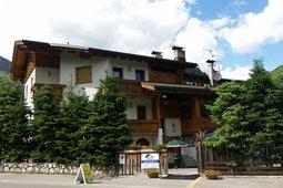 Chalets Dolomites Brigitte - Appartamenti & B&B