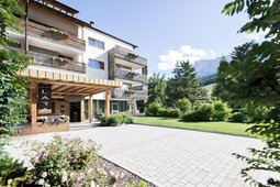 Alta badia hotel b b e residence con piscina - Residence val badia con piscina ...