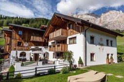 Villa Flora Mountain Lodges