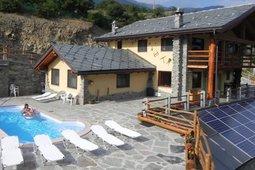 Valle d 39 aosta hotel b b e residence con piscina - Hotel courmayeur con piscina ...