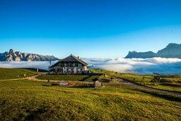 Mountain Hut-Hotel Pralongià