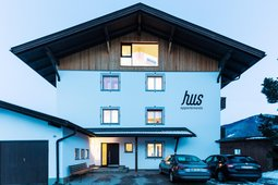 Apartments Hus